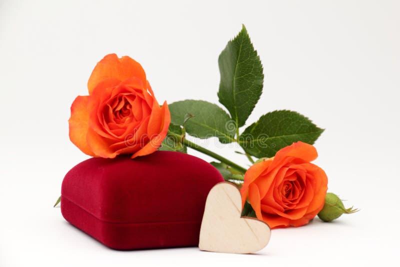 Caja con el regalo de la joyería imagen de archivo