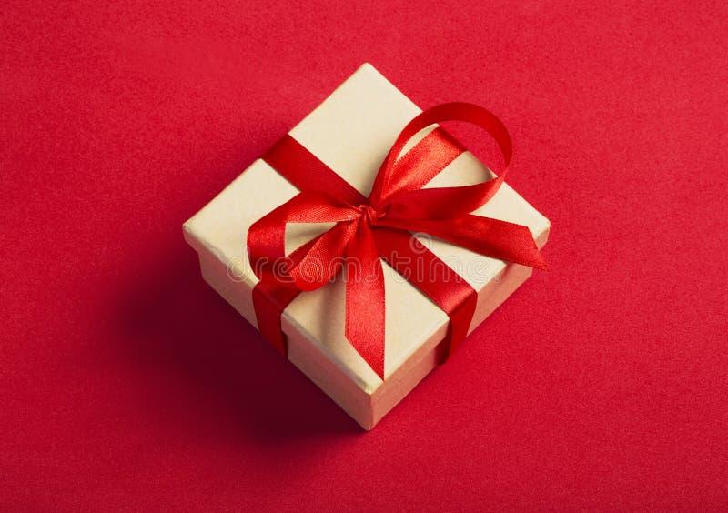Caja cuadrada del regalo imágenes de archivo libres de regalías