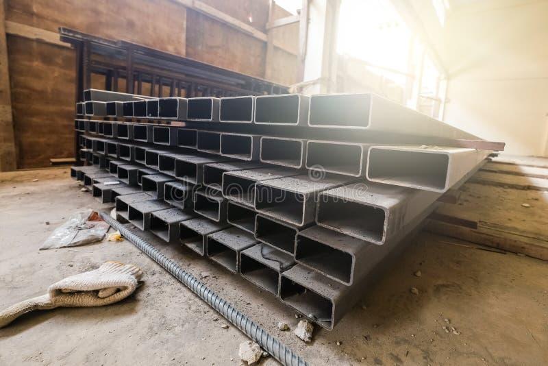 Caja de acero de la construcción, material de acero foto de archivo libre de regalías
