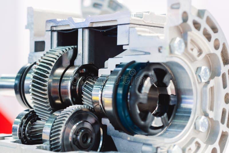Caja de cambios mecánica, corte transversal Engranaje helicoidal Primer imagen de archivo