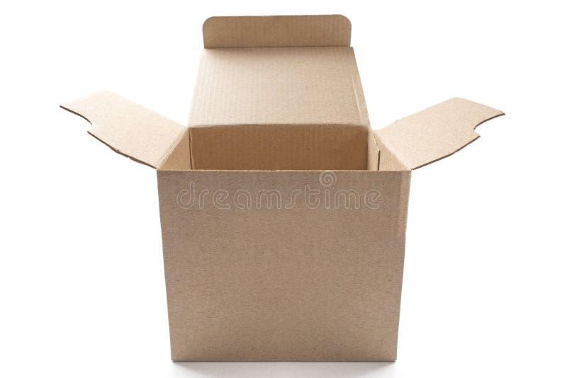 Caja de cartón abierta grande en fondo blanco aislado con la sombra fotos de archivo libres de regalías