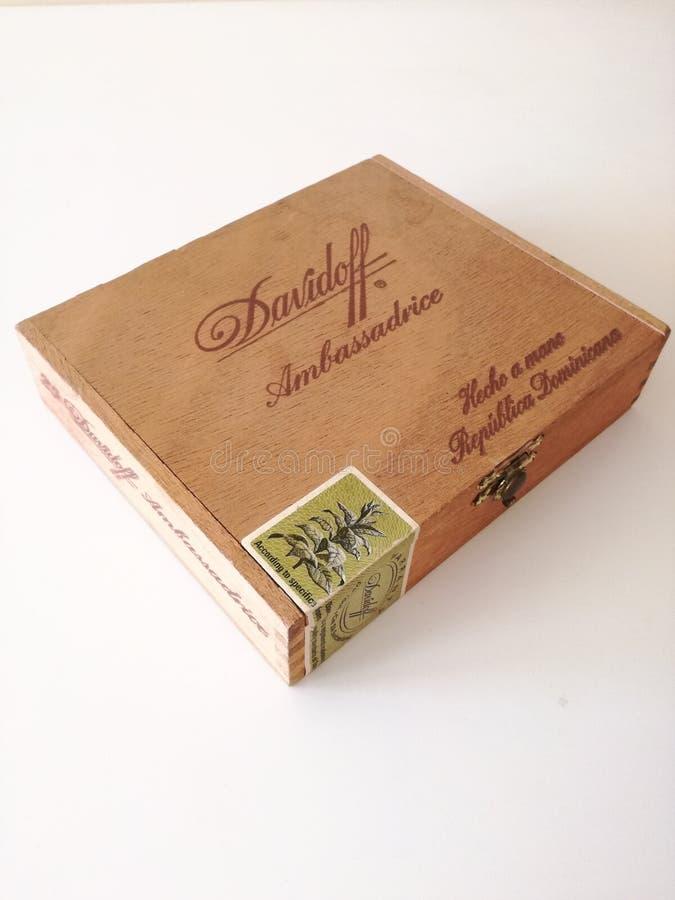 Caja de cigarros fotografía de archivo