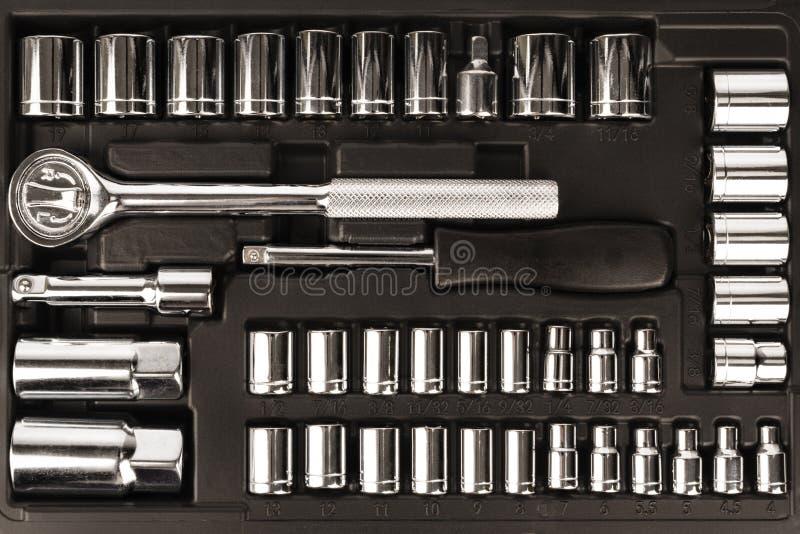 Caja de herramientas, sistema de llaves y pedazos Visión superior fotos de archivo libres de regalías