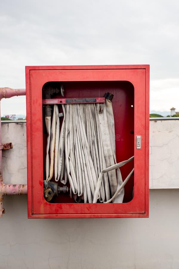 Caja de la manguera de bomberos foto de archivo libre de regalías