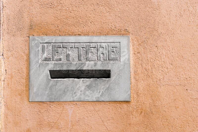 Caja de letra de mármol - Pistóia Italia fotografía de archivo