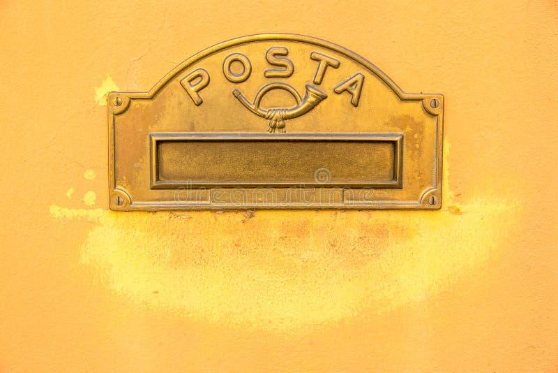 Caja de letra italiana del vintage foto de archivo