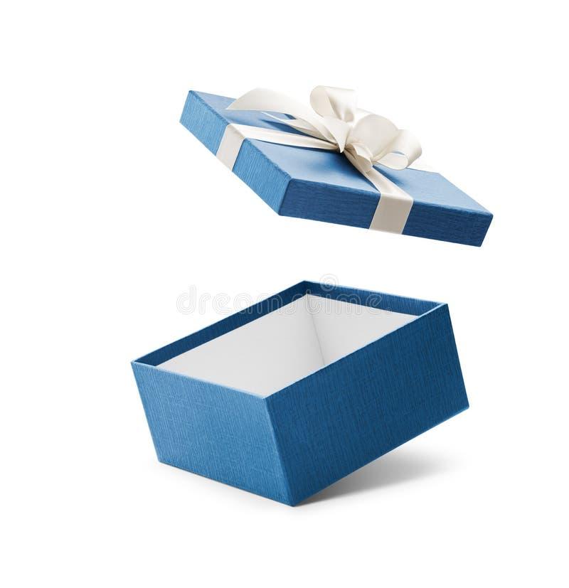 Caja de regalo abierta del azul con el arco blanco fotos de archivo libres de regalías