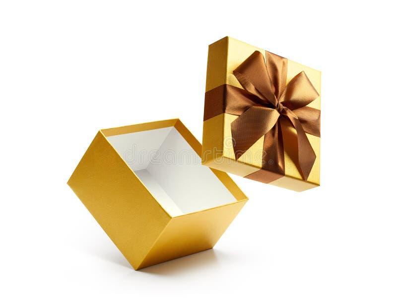 Caja de regalo abierta del oro aislada foto de archivo