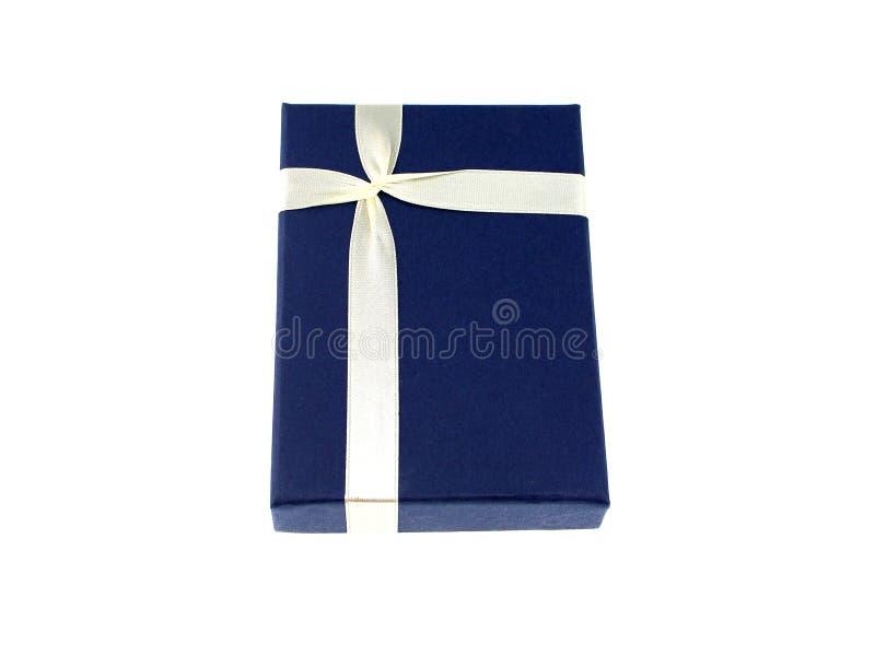 Caja de regalo aislada mirando tan un hermoso foto de archivo libre de regalías