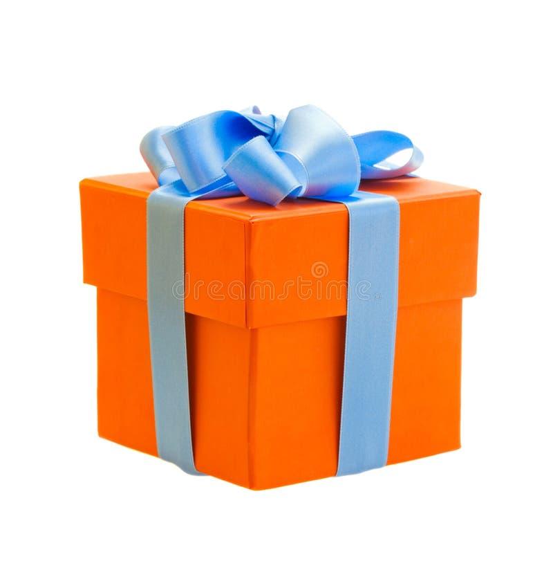 Caja de regalo anaranjada imágenes de archivo libres de regalías