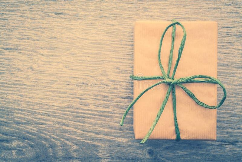 Download Caja de regalo de Brown foto de archivo. Imagen de retro - 64211848