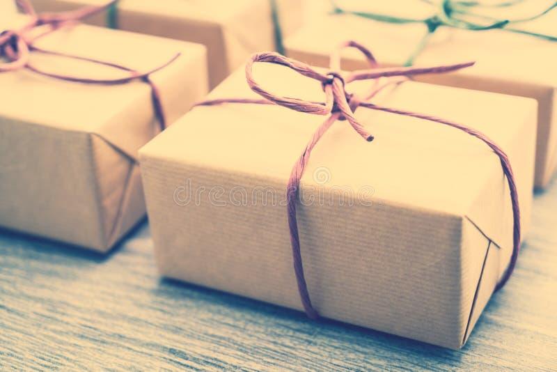 Download Caja de regalo de Brown imagen de archivo. Imagen de viejo - 64211881