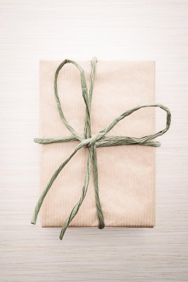 Download Caja de regalo de Brown imagen de archivo. Imagen de espacio - 64211923