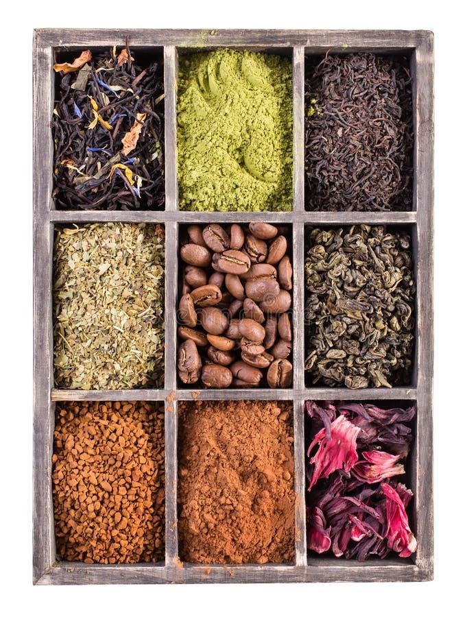 Caja de té y de café secos para la preparación caliente de las bebidas aislada imagen de archivo libre de regalías