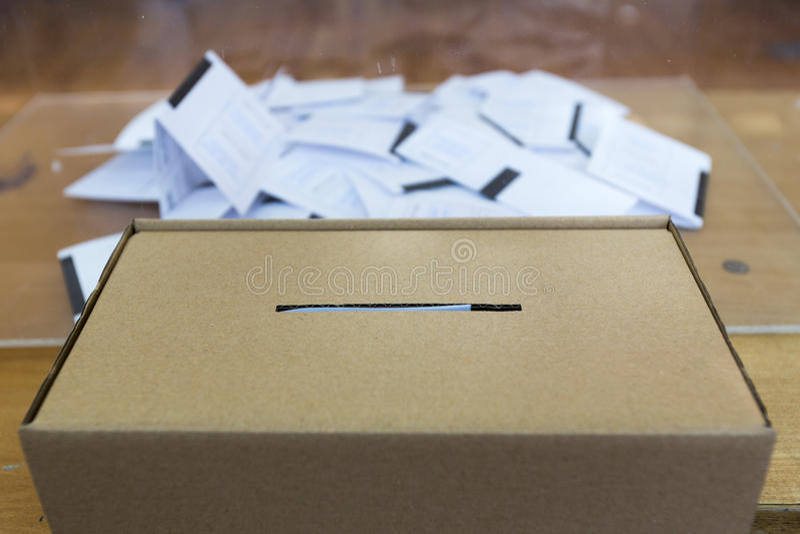 Caja de votación de la papeleta electoral imágenes de archivo libres de regalías