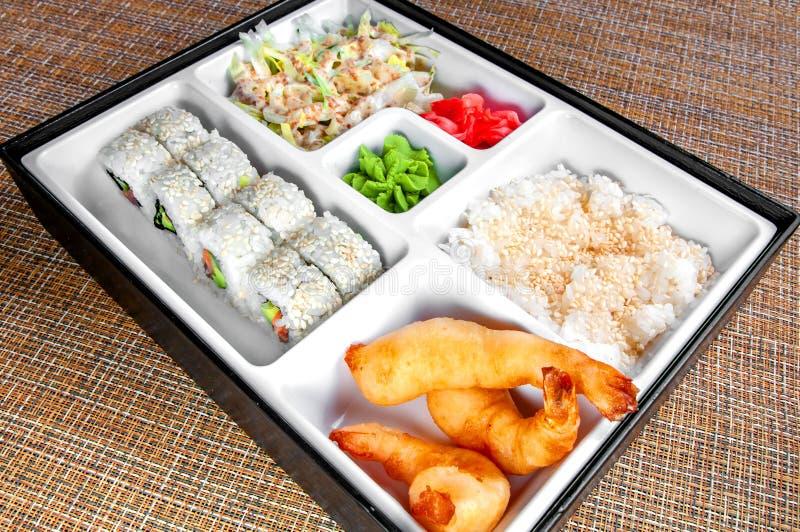 Caja del almuerzo japonesa limpia y de la higiene preparada fotos de archivo