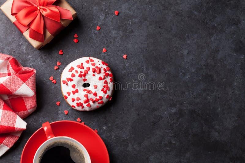 Caja del buñuelo, del café y de regalo imagenes de archivo