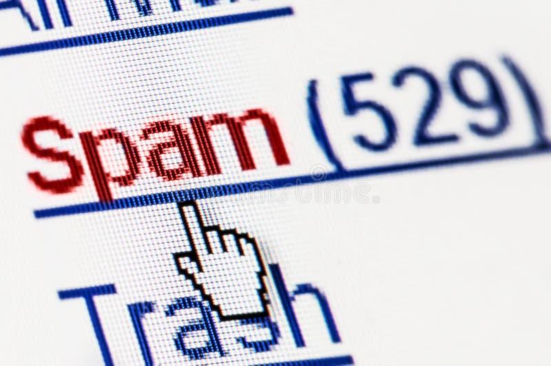 Caja del email de los desperdicios del Spam en macro de la pantalla de ordenador fotografía de archivo