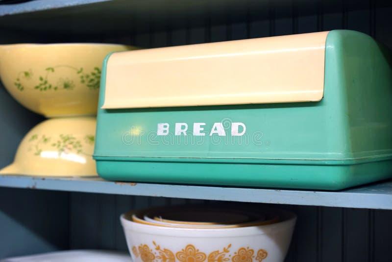 Caja del pan de la baquelita del vintage foto de archivo libre de regalías