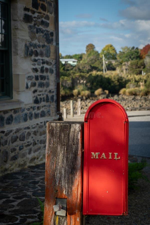 Caja del poste en la tienda de piedra imagen de archivo libre de regalías