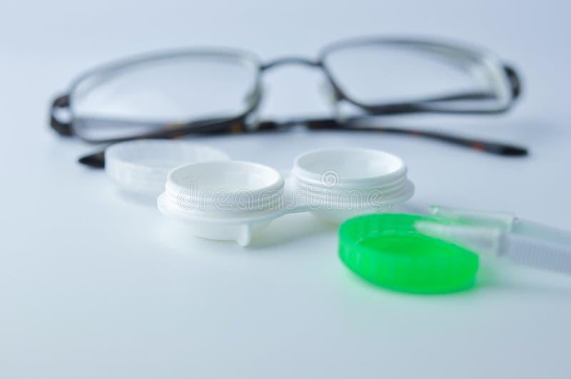 Caja para las lentes de contacto fotografía de archivo libre de regalías