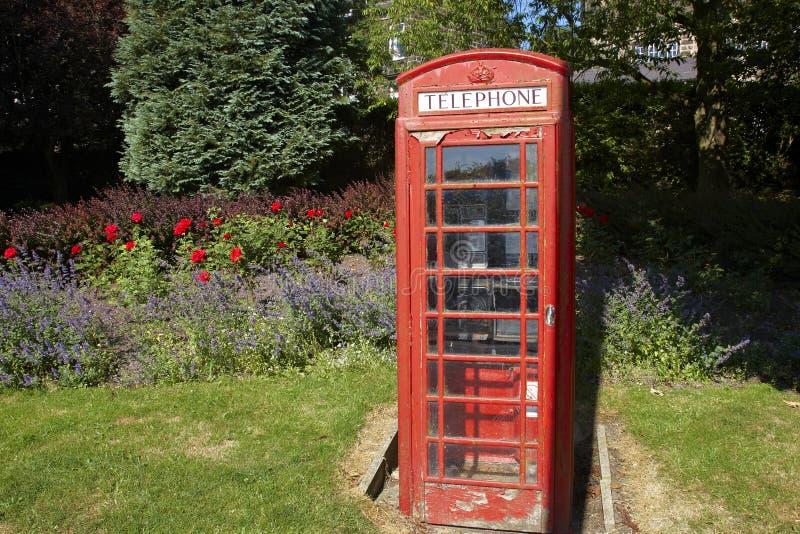 Caja tradicional del teléfono en la ciudad de Yorkshire foto de archivo