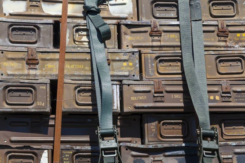 Cajas de la munición del metal fotos de archivo