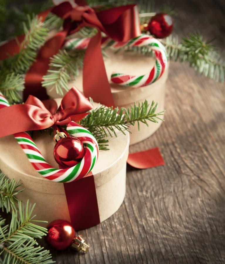 Cajas de regalo de la Navidad imagen de archivo libre de regalías
