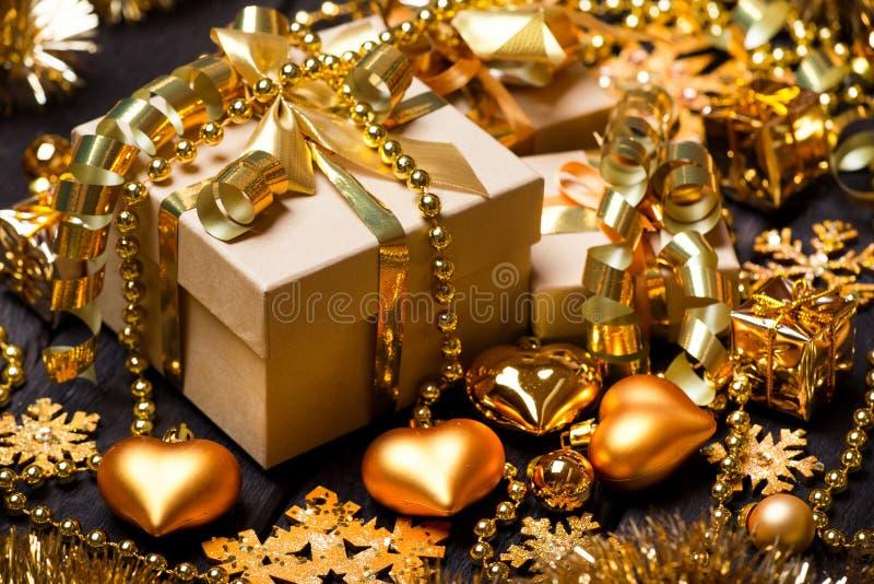 Cajas de regalo de la Navidad foto de archivo