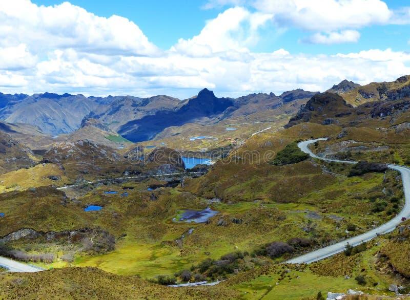 Cajas nationalpark, Mirador Tres Cruces, Ecuador royaltyfri foto