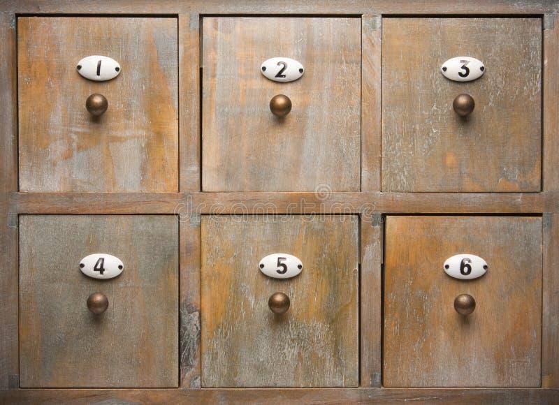 Cajones de madera antiguos del cabinete de archivo imagen - Cajones de madera antiguos ...