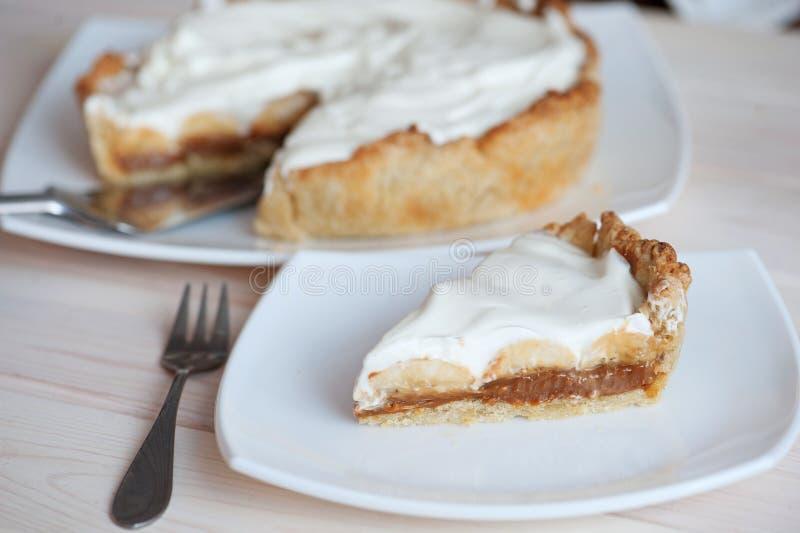 Cake Banoffi met karamel en banaan royalty-vrije stock fotografie