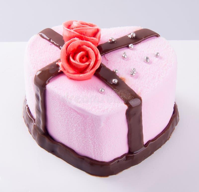 Cake, de cake van het aardbeiroomijs op de achtergrond royalty-vrije stock afbeelding
