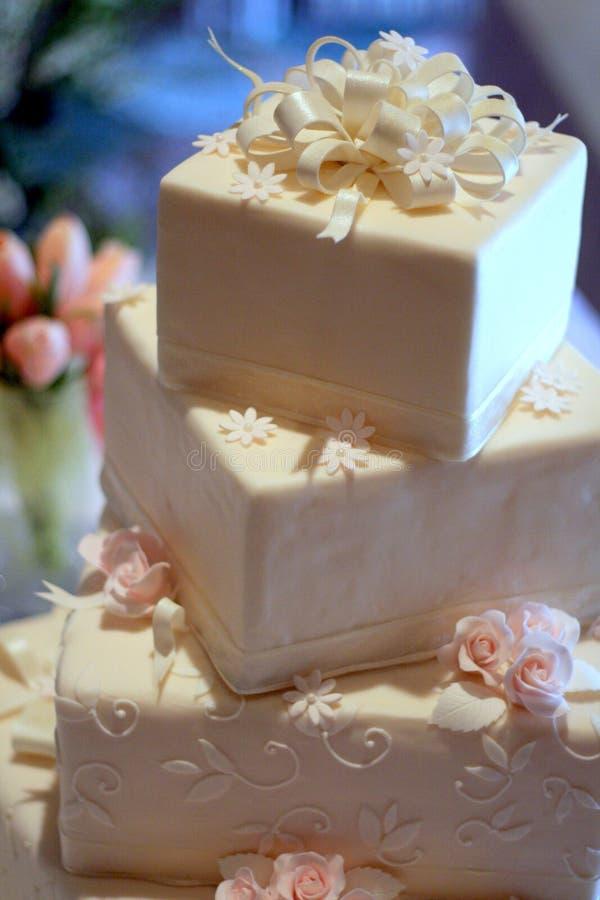 cake format fyrkantigt bröllop royaltyfri fotografi