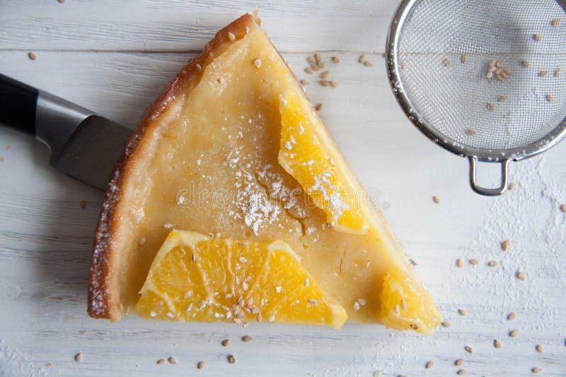 Cake met sinaasappelen royalty-vrije stock foto