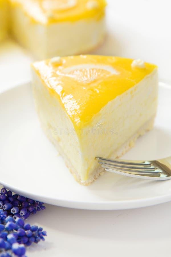 cakecitronmousse royaltyfri fotografi