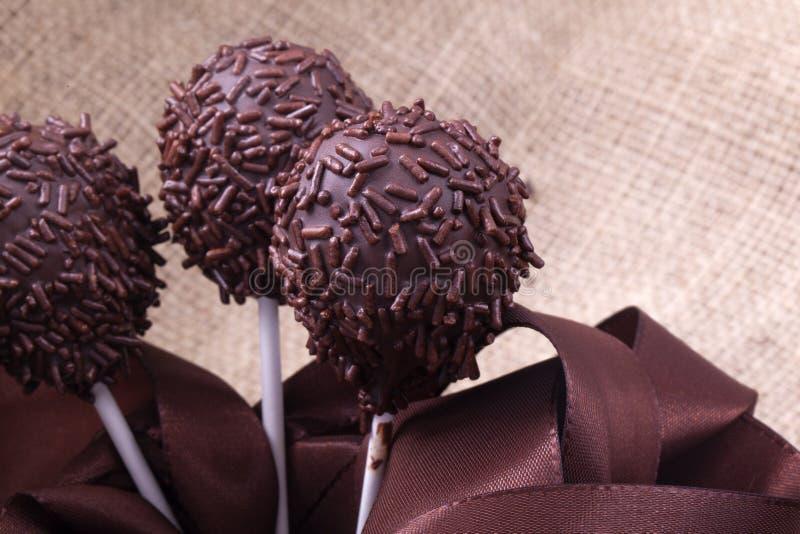 Cakepops del sprincle del chocolate imagen de archivo