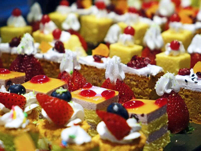 Cakes With Cream And Fruits Free Public Domain Cc0 Image