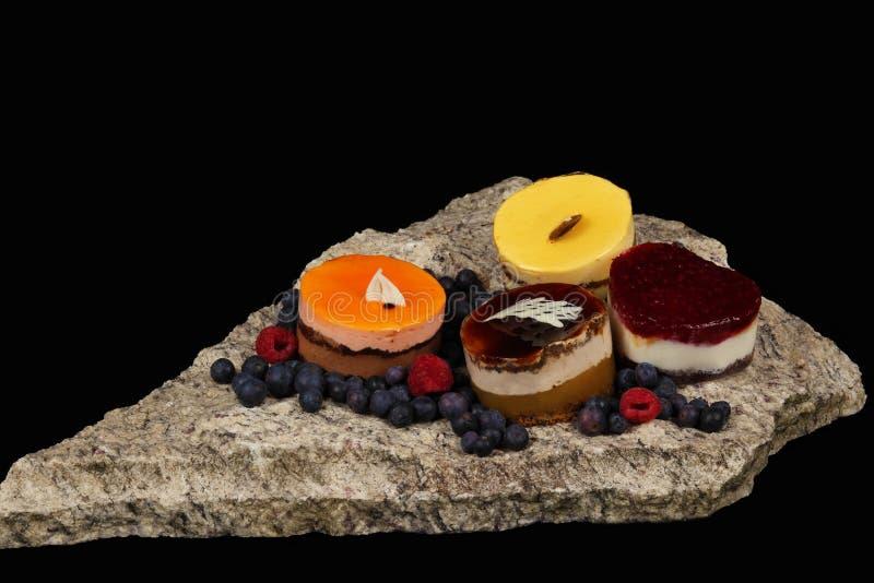 Cakes op de steen royalty-vrije stock afbeelding