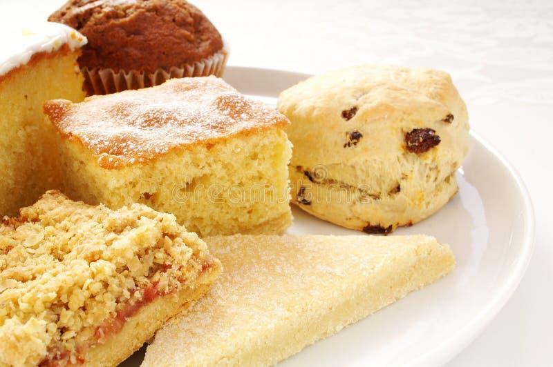 Cakeselectie op witte schotel royalty-vrije stock foto's