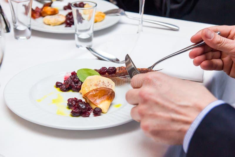 Cakiel smażący ser z cranberry kumberlandem kuchni pasztecików połysk zdjęcia royalty free