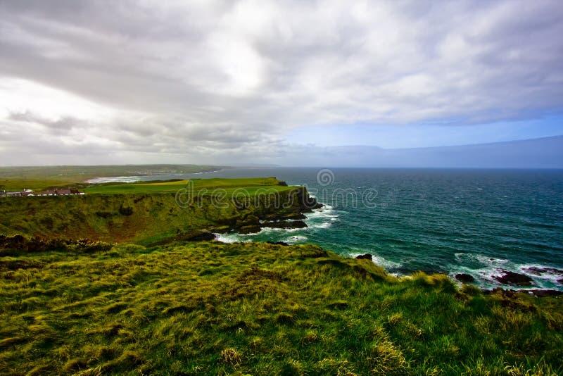 Calçada de Giants, paisagem de Irlanda do Norte Reino Unido imagem de stock royalty free