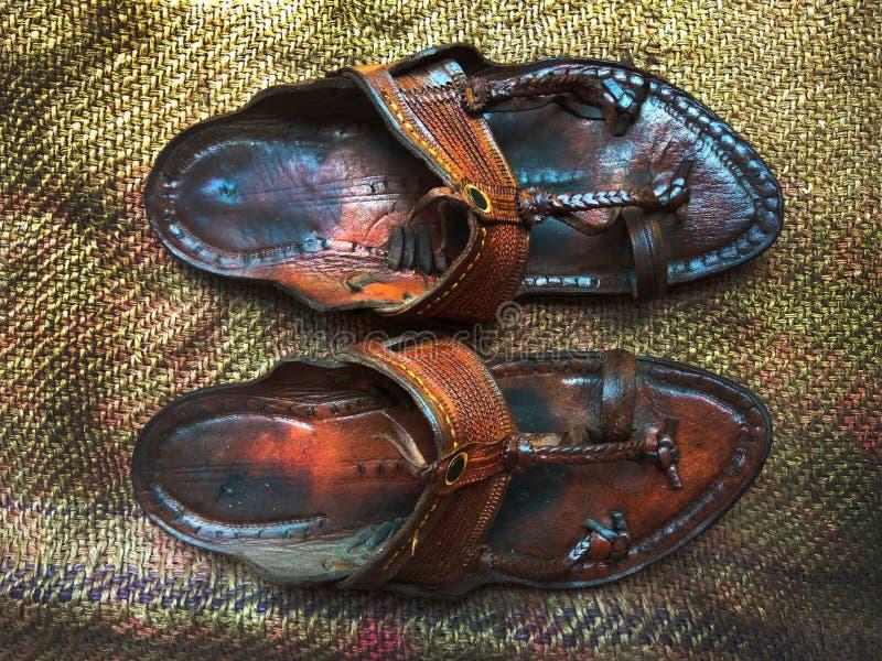 Calçados tradicionais india de Kolhapuri imagem de stock royalty free