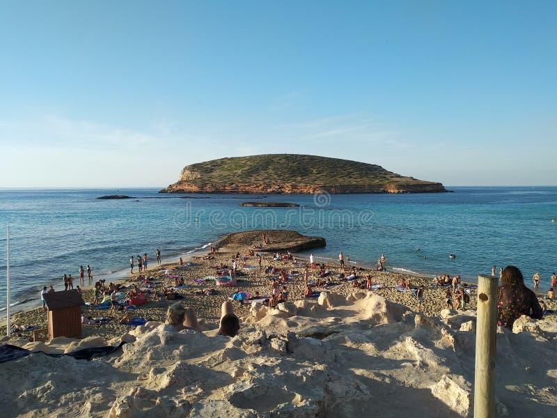 Cala Comte au coucher du soleil visitez les beautés uniques des Îles Baléares et de la mer du ‹Ibiza d'†de ‹d'†photographie stock libre de droits
