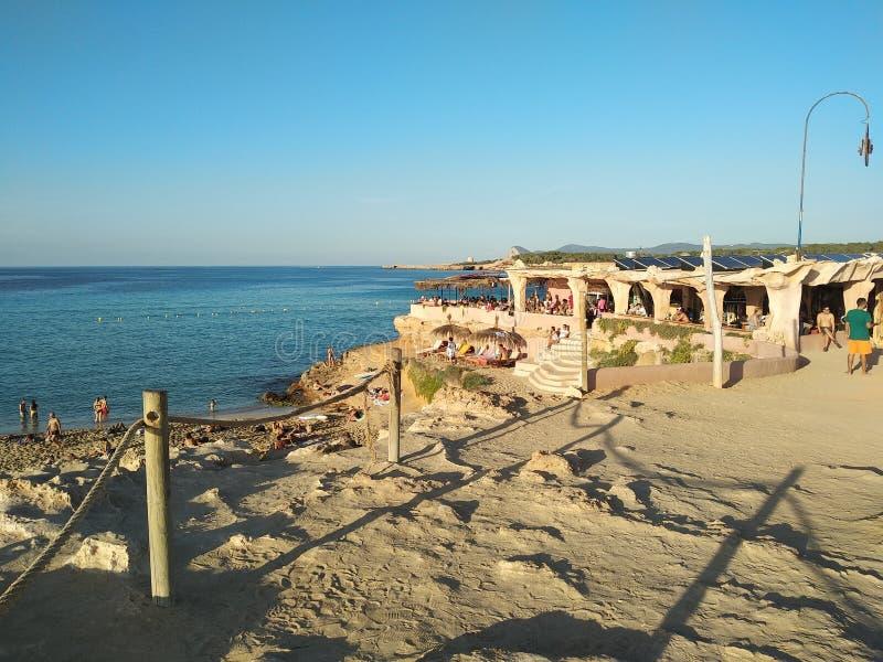 Cala Comte bij zonsondergang bezoek de unieke schoonheden van de Balearen en het overzees van †‹â€ ‹Ibiza stock fotografie