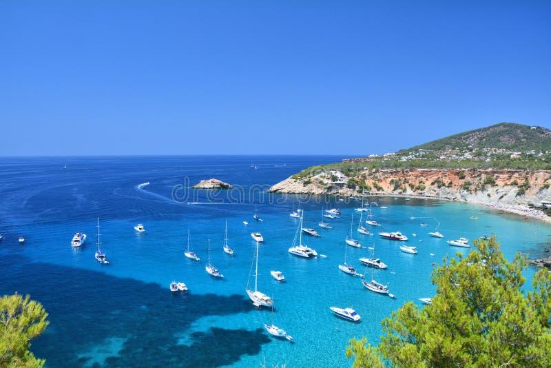 Cala D `-Hort fjärd med stranden på den Ibiza ön arkivfoton