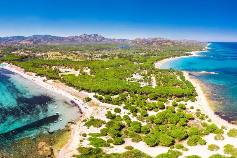 Cala Liberotto i Cala Ginepro wyrzucać na brzeg na Sardinia wyspie, Sardinia, Włochy, Europa obraz royalty free