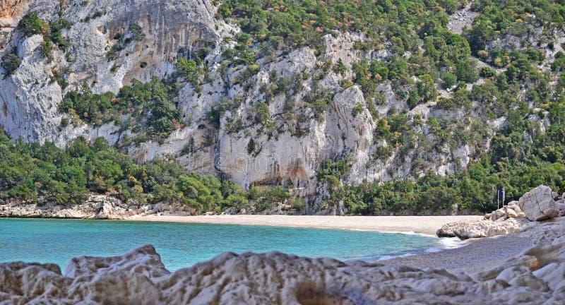 Cala Luna απότομος βράχος στοκ φωτογραφίες