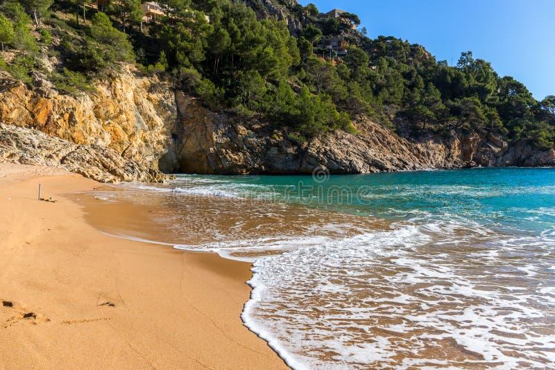 Cala Pola in Costa Brava nahe Tossa de Mar, Katalonien lizenzfreie stockbilder