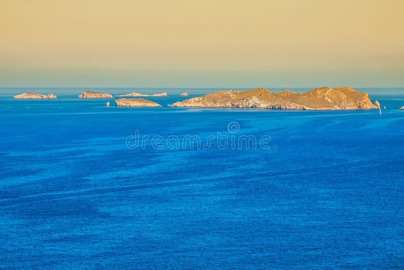 Cala Tarida en la playa San Jose de Ibiza en Balearic Island fotografía de archivo libre de regalías